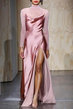Jonathan Simkhai Fall 2019 Ready-to-Wear Collection - Vogue The complete Jonathan Simkhai Fall 2019 Ready-to-Wear fashion show now on Vogue Runway. Mode Outfits, Dress Outfits, Fashion Outfits, Fashion Pics, Midi Dress Outfit, Fashion Games, Dress Fashion, Stylish Outfits, Fashion Ideas
