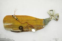Whale Sculpture made out of recycled materials: driftwood, metal and many other discarded objects, fine art by ScoobaFish by Maurizio Sergiusti on Behance Driftwood Projects, Scrap Wood Projects, Fish Sculpture, Wall Sculptures, Whale Crafts, Peter And The Starcatcher, Driftwood Fish, Whale Decor, Recycled Art