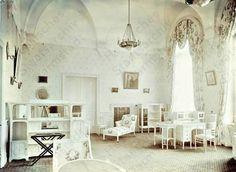 Interior of Livadia Palace was a summer retreat of the last Russian tsar, Nicholas II, and his family in Livadiya, Crimea in southern Ukraine. Cr.Wikipidia