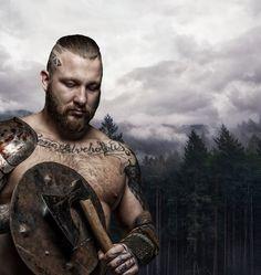 Dans la mythologie scandinave, lesloupssymbolisent la force, la rapidité et la férocité.