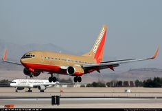 Southwest Airlines Boeing 737-7H4