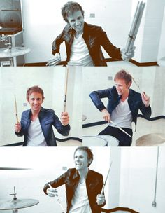 Dominic Howard.
