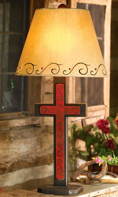 Scrolled Cross Table Lamp exellent