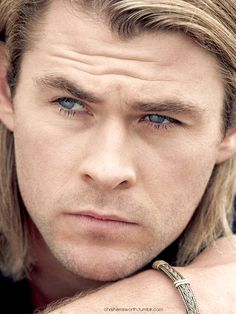 Chris Hemsworth - Curran in deep thought