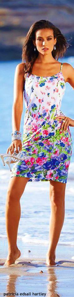 Madeleine via @elroci. #floral #floraldresses
