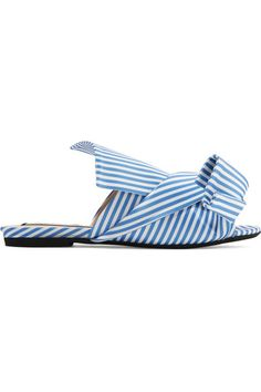 Satin is our favorite fabric for the new season. N°21's blue and white striped sandals have been crafted in Italy and topped with the brand's signature architectural knot. Wear yours by day, switching them out for the mule version come evening.
