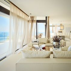 #interiordesign #instaliving #erickuster #metropolitan #luxury #luxuryliving #summerhouse #thecollection #standardsofa #avaloncoffeetable #seaview #blueport #altea #spain #sexy #buildingthebrand