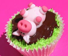 Improvvisamente, un maialino cadde sul mio cupcake.