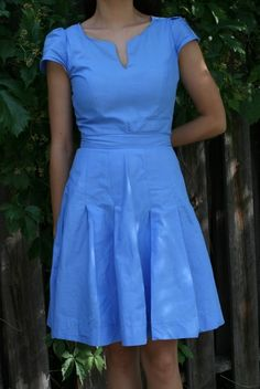 Life is Beautiful: split-neck pleated blue dress DIY