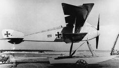 GERMAN AIRCRAFT FIRST WORLD WAR (Q 68106)   LTG VDI seaplane. First version. Serial number 1299.