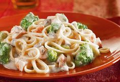 In just 30 minutes, you can serve this delectable dish, with a rich, satiny Alfredo saucethat coats chicken, broccoli and pasta.