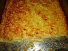 Η πιο εύκολη πίτα στον κόσμο είναι η ζεματούρα ! Χωρίς φύλλο με μια ιδιοφυή μίξη υλικών και ένα χυλό, που όταν ψηθεί στον φούρνο μας δίνει μια λεπτή και τραγανή πεντανόστιμη πίτα.Μια συνταγή από