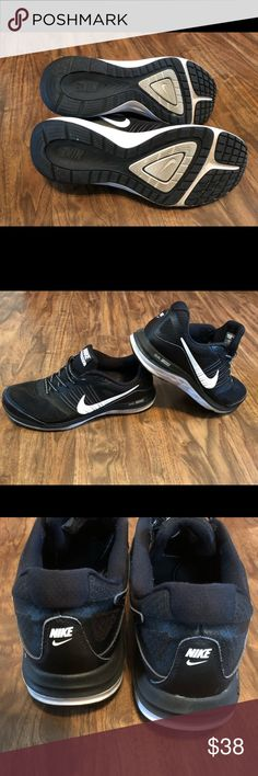 Nike shows Great condition Nike Shoes Athletic Shoes