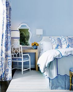 blue bedroom: blue walls, blue and white bedding and curtains, blue and white striped rug Blue Rooms, White Rooms, Blue Bedroom, Bedroom Decor, Blue Walls, Pretty Bedroom, Bedroom Bed, Master Bedroom, Bedroom Designs