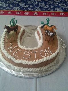 Robyn's - Horse cake could be a good idea for when Dianne Wolfe comes - a nice morning tea - cutting of the cake - perhaps in the equine area