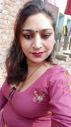 Beautiful Girl In India, Beautiful Women Over 40, Beautiful Blonde Girl, Most Beautiful Indian Actress, Cute Beauty, Beauty Full Girl, Beauty Women, Big Girl Fashion, Curvy Women Fashion