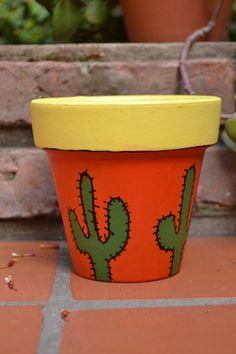 maceta-pintada-a-mano-tamaño-12-maceta Flower Pot Art, Flower Pot Design, Mosaic Flower Pots, Flower Pot Crafts, Clay Pot Crafts, Painted Plant Pots, Painted Flower Pots, Pottery Painting Designs, Decorated Flower Pots