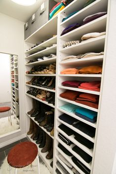 Simple and Impressive Ideas Can Change Your Life: Small Bedroom Remodel Space Saving guest bedroom remodel small bathrooms.Guest Bedroom Remodel Small Bathrooms rustic bedroom remodel how to build. Walk In Closet Small, Walk In Closet Design, Closet Designs, Ikea Closet, Closet Storage, Closet Doors, Closet Organization, Master Bedroom Closet, Bedroom Closets