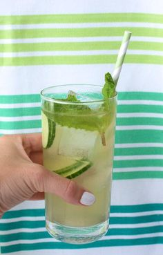 How to Bit The Bottle Ladies Cucumber Elderflower White Wine Cocktail Mmm