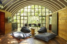 Arca is a gorgeous arched retreat in the Brazilian rainforest