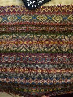 Ravelry: HeidiBears' Fairisle Club Lerwick Cardigan Take II Fair Isle Knitting Patterns, Knitting Charts, Knitting Stitches, Knitting Socks, Free Knitting, Knitting Machine, Form Crochet, Crochet Granny, Knitting Projects