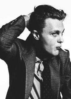Michael Pitt American actor, model and musician