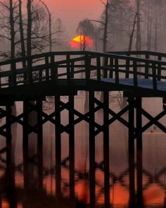 Sunset at Bayou Bridge, Louisiana, USA Travel and see the world Foto Nature, All Nature, Beautiful Sunset, Beautiful World, Beautiful Places, Amazing Places, Foto Art, Parcs, Covered Bridges