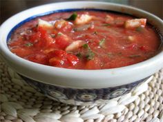 How to make fresh gazpacho soup. Refreshing lunch or dinner idea for hot summer days #recipe #soup skiptomylou.org