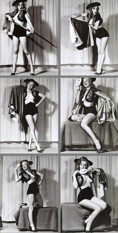 Marilyn Monroe posing for Earl Moran