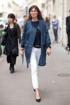 9 chic ways to style white denim: White jeans and a navy knit coat