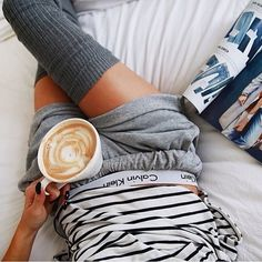 Girls in Calvin Klein Underwear Mode Style, Style Me, Look Fashion, Womens Fashion, Girly, Lazy Days, Lazy Sunday, Look Chic, Visual Kei