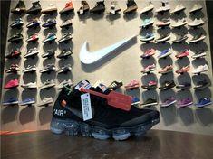 OFF-WHITE X Nike Air VaporMax Flyknit FK OFF-WHITE X AA3831-002 Black Total Orange Curvy Petite Fashion, Nike Air Vapormax, Africa Fashion, Milan Fashion Weeks, New York Fashion, Running Shoes Nike, Fashion Models, Runway Fashion, Off White