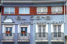 "Plaza del Castillo, Pamplona by Rufino Lasaosa, via Flickr :: Fachada del antiguo Hotel-Restaurant ""El Cisne"", Pamplona Pamplona, Plaza, Restaurant, Outdoor Decor, Home, Swan, Castles, Cities, Fiesta Party"