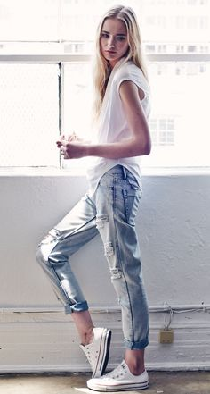 white cotton tee + distressed boyfriend jeans + white converse // @dressmeSue