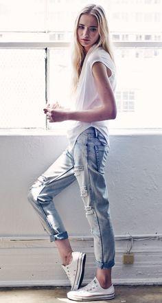 white cotton tee + distressed boyfriend jeans + white converse // @dressmeSue