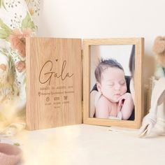 Wooden Gifts, Wooden Art, Foto Gift, Faire Part Photo, Popsicle Stick Diy, Cute Picture Frames, Diy Crafts For Gifts, Gifts For Mom, Father Photo