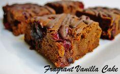 Raw Sweet Potato Cranberry Brownies from Fragrant Vanilla Cake Healthy Vegan Desserts, Raw Desserts, Raw Vegan Recipes, Healthy Baking, Healthy Treats, Just Desserts, Dessert Recipes, Healthy Food, Vegan Chocolate