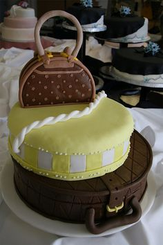 Luggage bag unusual cake design cool