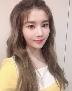 Image may contain: 1 person, selfie and closeup Kpop Girl Groups, Kpop Girls, I Love Girls, Cool Girl, Pre Debut, Japanese Girl Group, Woollim Entertainment, Grunge Girl, Kim Min