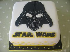 cake maker in Surrey and Sussex makes cakes and cupcake for  any occasion