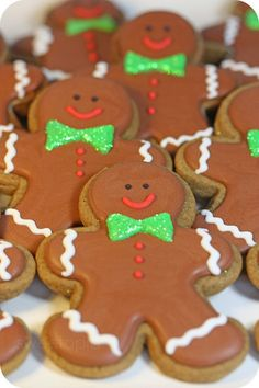 How to ship decorated cookies and cookie craft giveaway; Halloween Sugar Cookies, Iced Cookies, Cute Cookies, Holiday Cookies, Cupcake Cookies, Cookies Et Biscuits, Fall Cookies, Baking Cookies, Egg Cupcakes