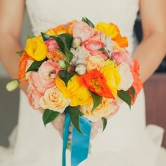 10 summery bouquets we love -- lots of good inspiration here! (Photo credit: Onelove photography) #1,3,10