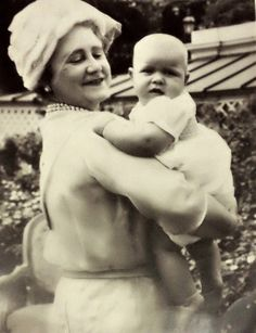 carolathhabsburg: Queen Elizabeth the Queen Mother and grandson Prince Andrew, 1960