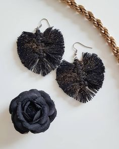 #makramee #earrings #knotting #feather Knots, Crochet Earrings, Feather, Jewelry, Quill, Jewlery, Jewels, Knot, Feathers