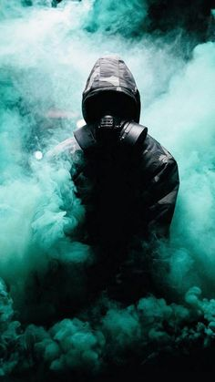 I don't no why I like this photo so much Smoke Wallpaper, Graffiti Wallpaper, Cool Wallpaper, Graffiti Art, Wallpaper Backgrounds, Iphone Wallpaper, Gas Mask Art, Masks Art, Gas Masks