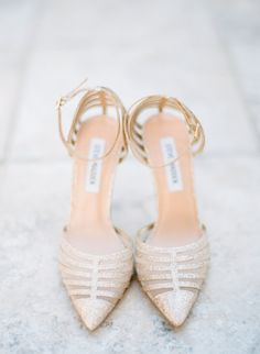 Gold pointed toe Steve Madden heels: http://www.stylemepretty.com/california-weddings/san-ramon-california/2016/08/30/outdoor-hilltop-east-bay-wedding/ Photography: Jasmine Lee - http://jasmineleephotography.com/index3/