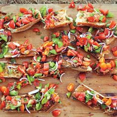 Heirloom Tomato Bruschetta is a great way to get the party started at your backyard barbecue! #tomatoes #bruschetta #amazing