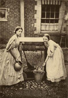 [Oscar Gustave Rejlander (1813–1875) Maids Drawing water at Freshwater, 1864]