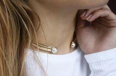 Pure elegance   Edge of Ember   Fraise Pearl Gold Choker