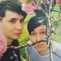 I can actually see Dan trying to be pretty and he is
